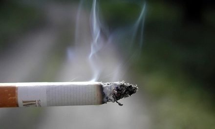 Notice required to prohibit smoking in residential rentals