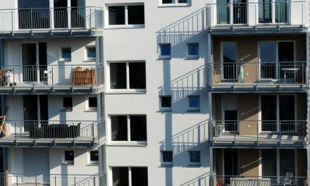 POLL: How often do landlords require tenants to purchase renters insurance?