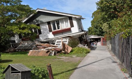 Disclosures on residential earthquake insurance policies