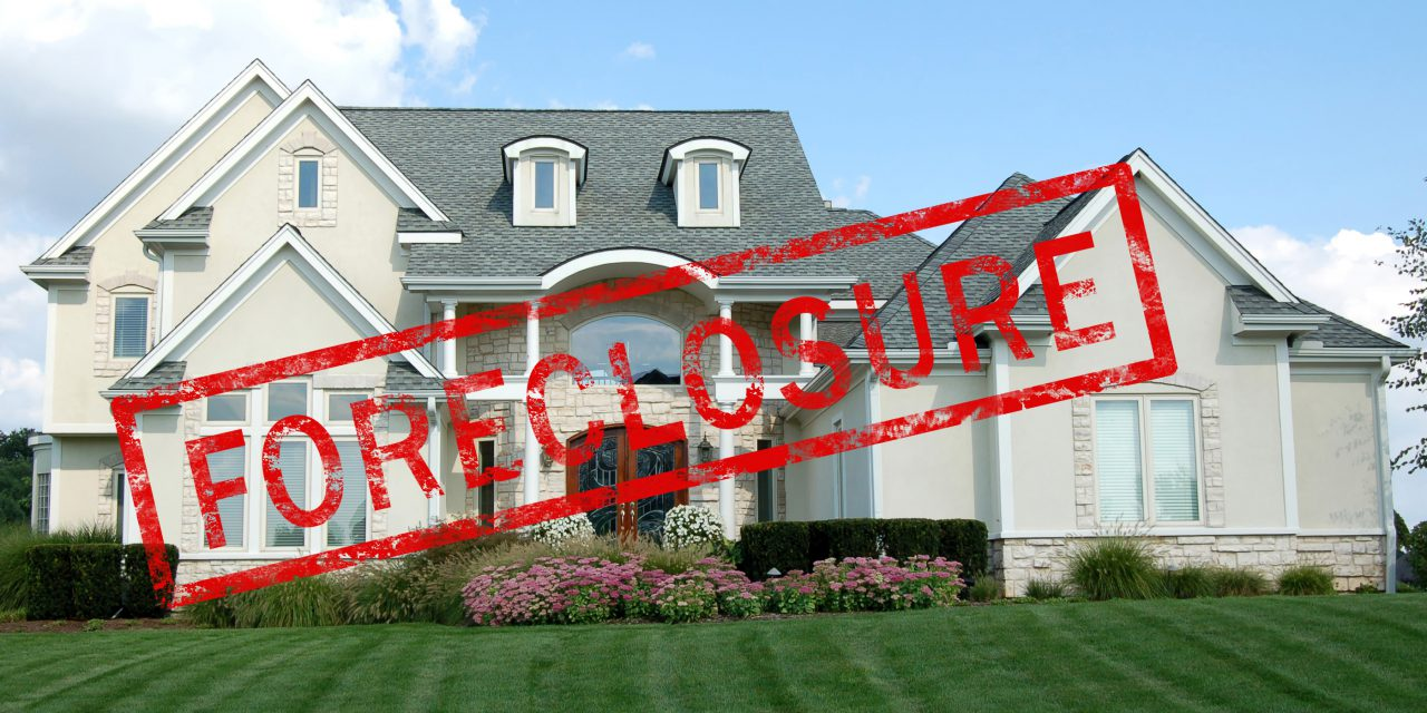 Foreclosures fall in California