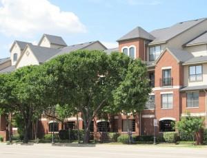 urban-condominiums-373775_1280